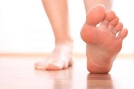 Зуд между пальцами ног: чем лечить