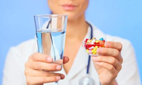 Лекарства и гормональные препараты могут повлиять на самочувствие