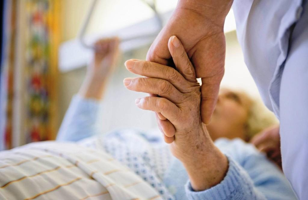Очень важен уход за больным человеком. Это влияет на продолжительность его жизни