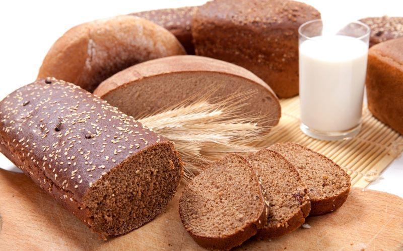 Ржаной хлеб и кефир