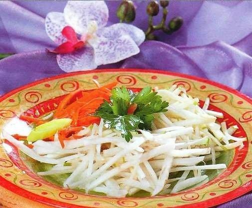 Свежий салат из топинамбура