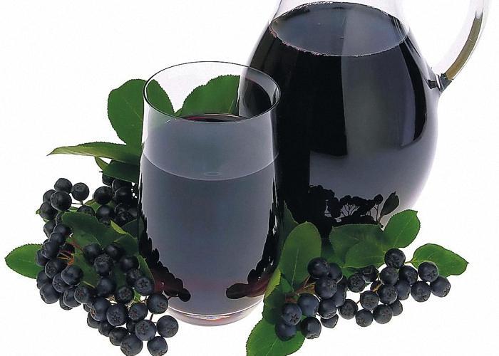 Сок черноплодки можно разбавить водой или яблочным соком