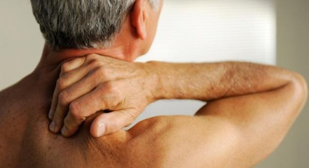 Чем дальше прогрессирует остеохондроз, тем сильнее боли