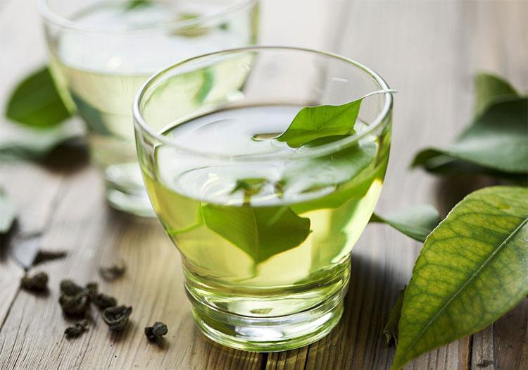 Для увеличения эффекта рекомендуется употреблять зеленый чай на протяжении всего курса лечения