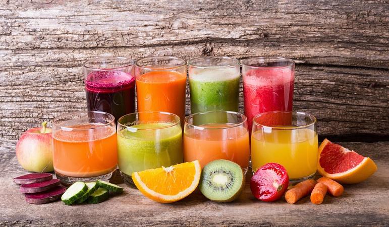 При вегето-сосудистой дистонии необходимо употреблять натуральные соки