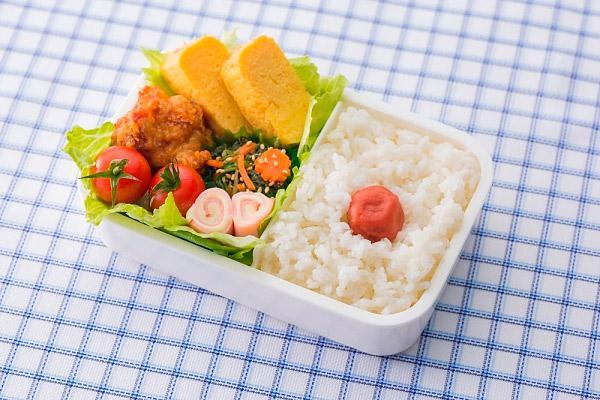 При дисбактериозе необходимо употреблять здоровую и полезную пищу