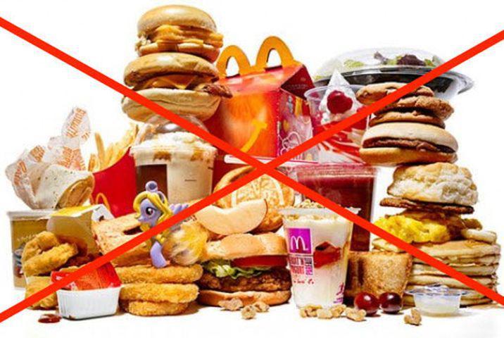 При дисбакториозе запрещено употреблятьжирное и сладкое