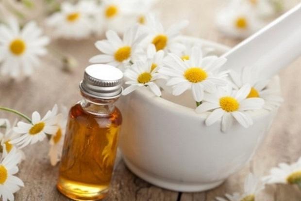 Ромашка и мёд устраняют симптомы хронического колита