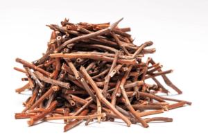 Настойка из корней сабельника - отличное средство от грыжи поясничного отдела
