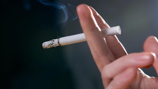 Одной из причин рака горла является курение