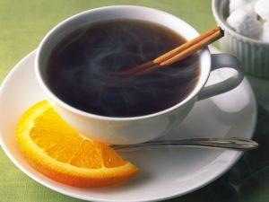 Крепкий черный чай способен вызвать повышение артериального давления