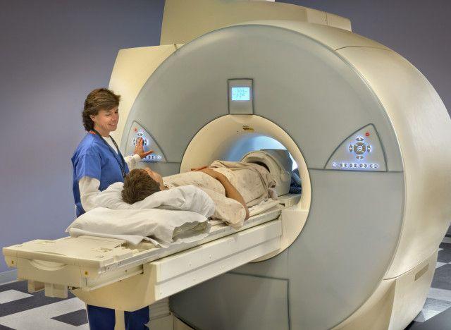 Проведение МРТ позвоночника