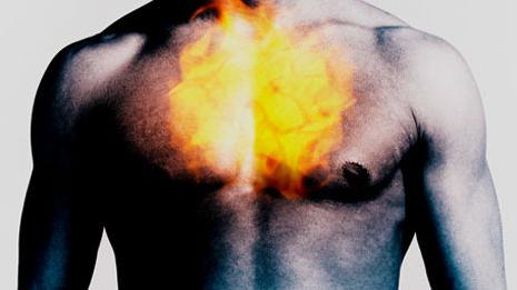 Почему печет в грудной клетке