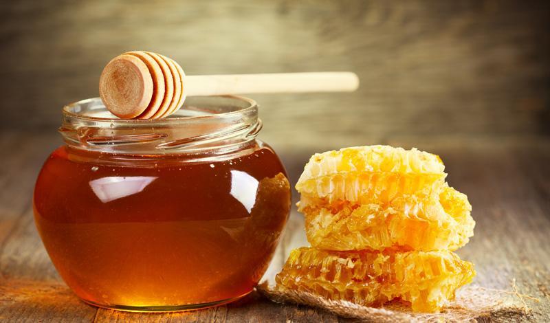 Натуральный мед эффективно борется с проявлениями простуды