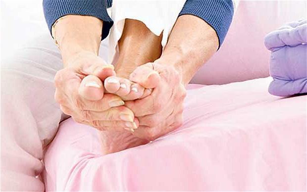 Постоянно холодные ноги - один из признаков атеросклероза