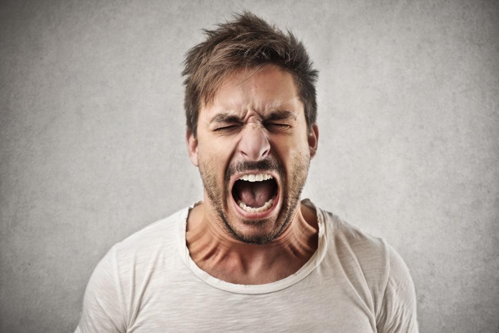 Причиной высыпания могут стать нервные срывы