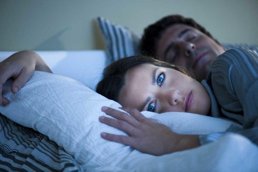 Как избавиться от бессонницы ночью?