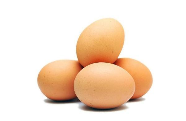 Прогревание яйцом ускоряет кровообращение, устраняет отек и инфекцию