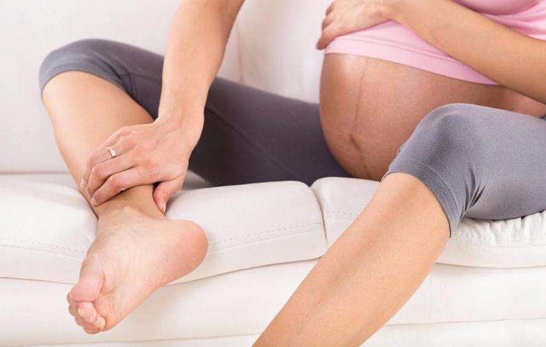Варикоз при беременности на ногах: что делать?
