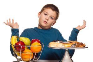 Диета у ребенка с сахарным диабетом должна быть максимально сбалансированной по всем важнейшим ингредиентам