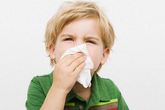 Затяжной насморк у ребенка: как лечить?