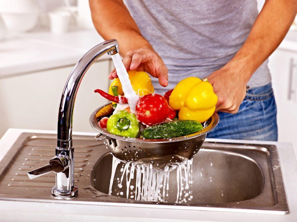 Тщательно вымытые овощи и фрукты также сокращают риск заражения глистами
