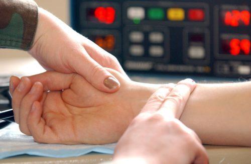 Повышенный пульс при нормальном давлении: что делать