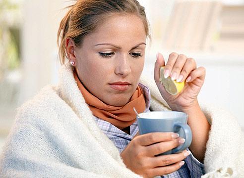 Помимо приема лекарственных препаратов врачи рекомендуют обильное питье