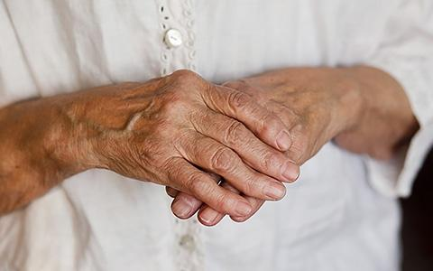 Лечение ревматоидного артрита народными средствами в домашних условиях