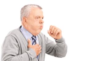 Стоит насторожиться, если сухой кашель сопровождается сильной болью в грудной клетке