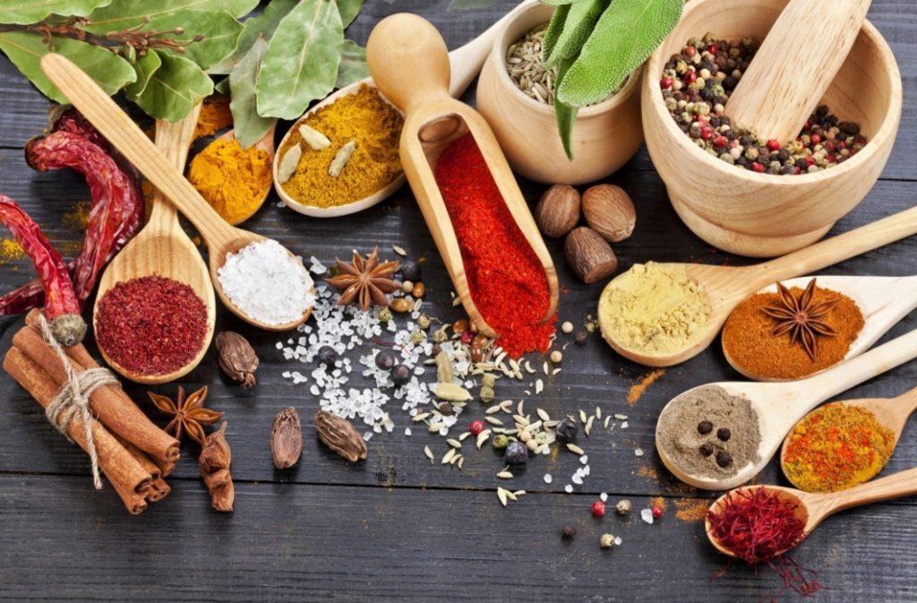 Во время приготовления пищи, не используйте перец и другие приправы