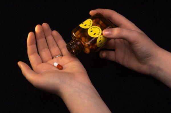 Регулярный прием антидепрессантов также грозит заболеванием печени