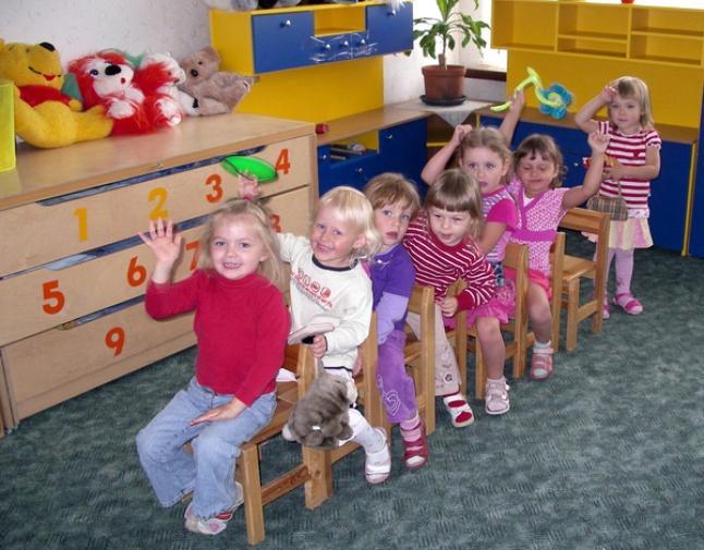 В основном заражение педикулезом случается у детей