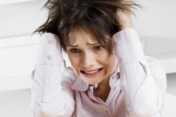 Негативные психические состояния могут стать причиной появления красного плоского лешая в полости рта