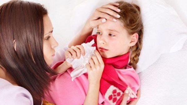 По состоянию ребенка, например частота заболеваний, можно понять о недостатке лимфоцитов в крови