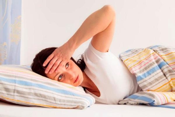 Повышенное потоотделение в течении всего дня и во время ночного сна, является симптомом нарушения сердечного ритма