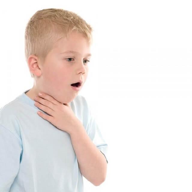 С бронхитом появляются проблемы с дыханием