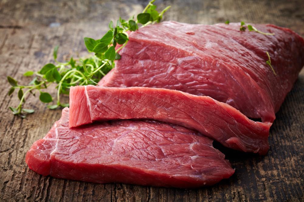 Заражение трихинеллами происходит через зараженное мясо
