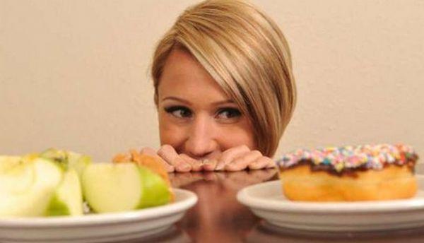 При попытке исключить из рациона сладкое, в 90% случаев начинается ломка и срывы