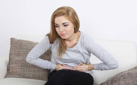 Боль в области таза, дискомфорт, недомогание - симптомы кисты яичника