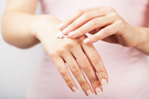 Розовый лишай: лечение мазями