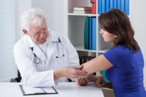 Перед началом лечения необходимо консультация врача-дерматолога