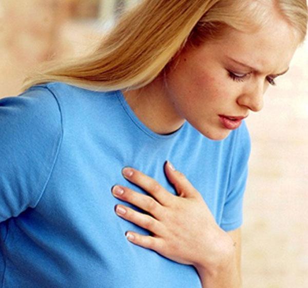 Во время разговора могут наблюдаться проблемы с дыханием