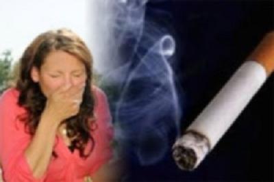 При аллергической астме повышается реакция на такие раздражители как дым, каких либо высыпаний не наблюдается