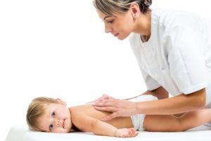 Может быть назначен дренажный массаж для быстрого отхождения мокроты