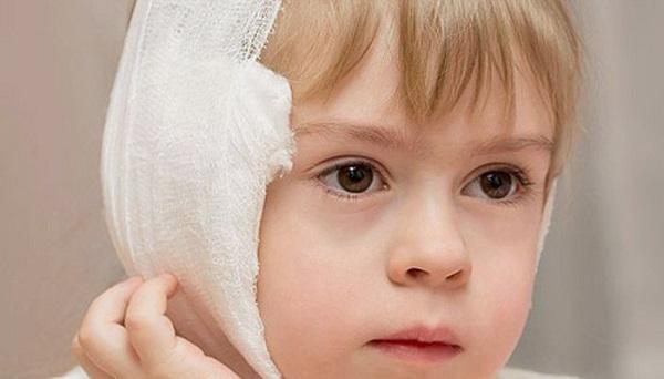 Ношение повязки сохранит уши ребенка в тепле