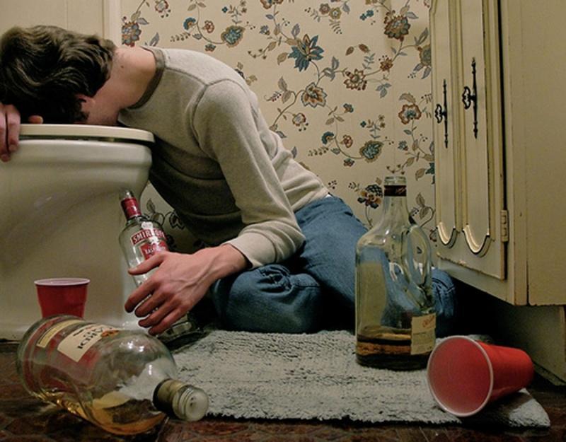 Рвотный рефлекс означает борьбу организма с алкоголем, отсутствие рвотного рефлекса признак алкоголизма