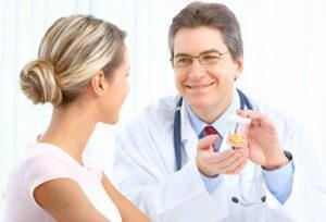 Принимать лекарственные препараты нужно только после консультации с врачом