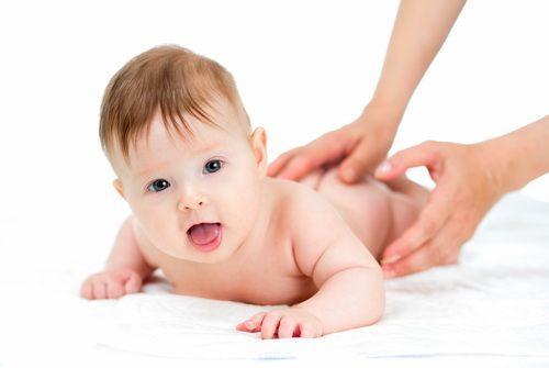 Удержание головы ребенка