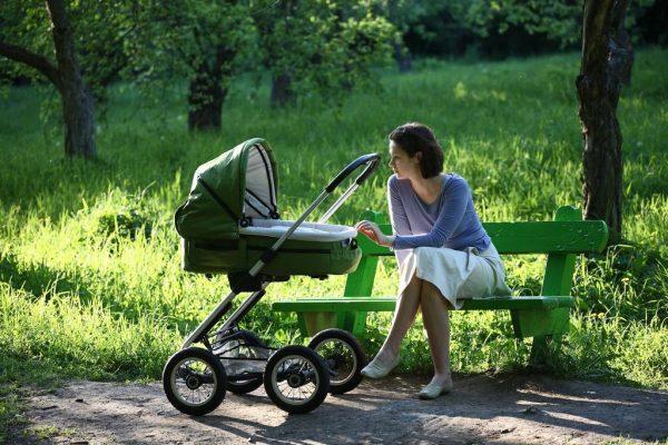Для восстановления сил маме нужно больше бывать на свежем воздухе, полноценно питаться и заниматься любимым делом